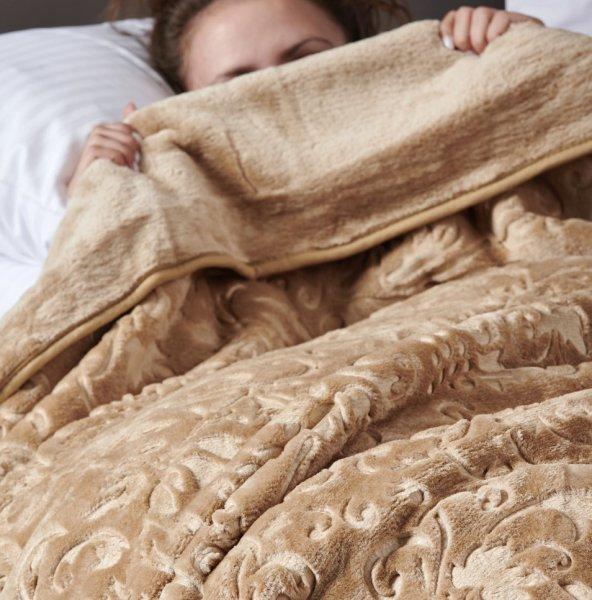Κουβέρτα Βελουτέ Υπέρδιπλη Daphne Camel Palamaiki